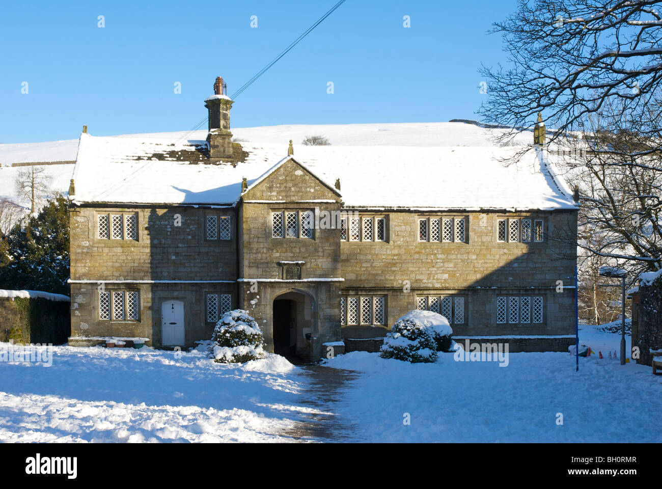 The old Grammar School in the village of Burnsall, Wharfedale, Yorkshire Dales National Park, England UK - Stock Image