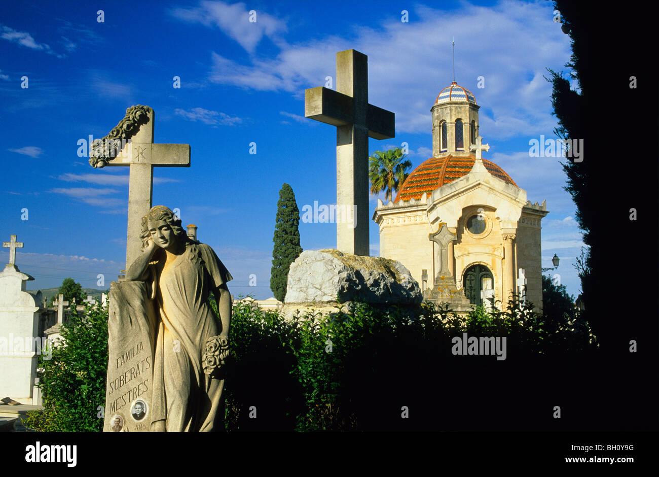 Europe, Spain, Majorca, Sa Pobla. Graveyard - Stock Image