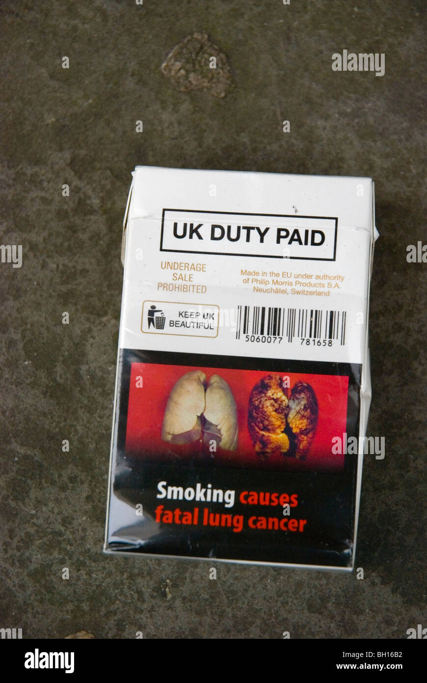 Packette of cigarettes with graphic warning England UK Europe - Stock Image