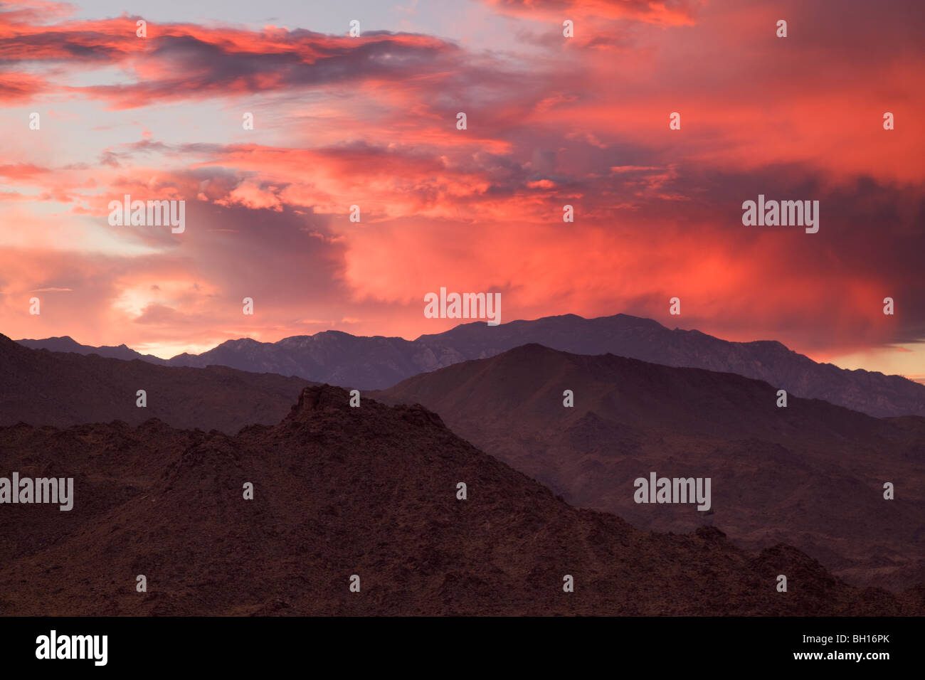 Sunset over the San Jacinto Mountains from Palm Desert and the Coachella Valley, California. - Stock Image