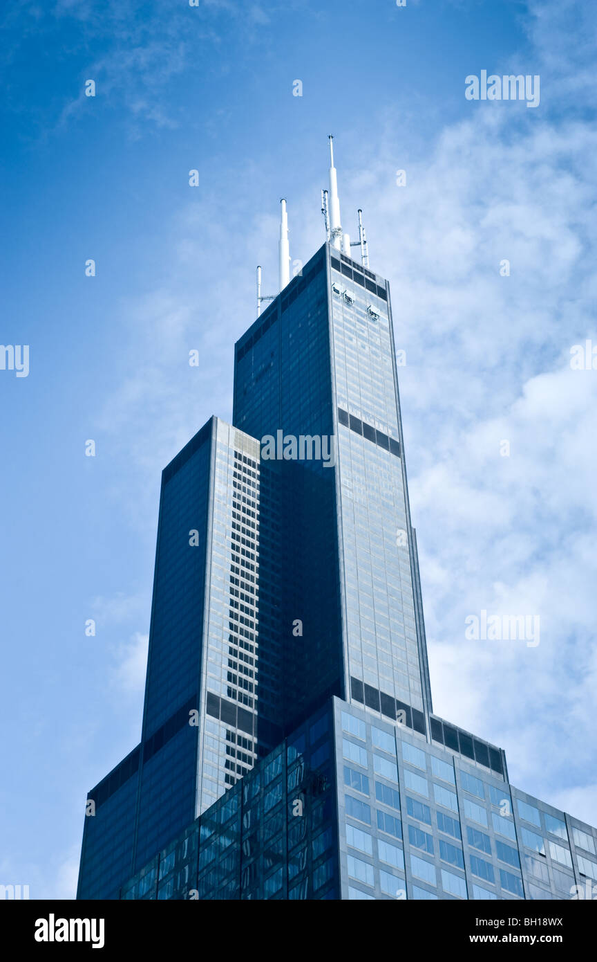 Willis Tower (formerly Sears Tower) in Chicago Illinois, the tallest building in North America, features all-glass - Stock Image