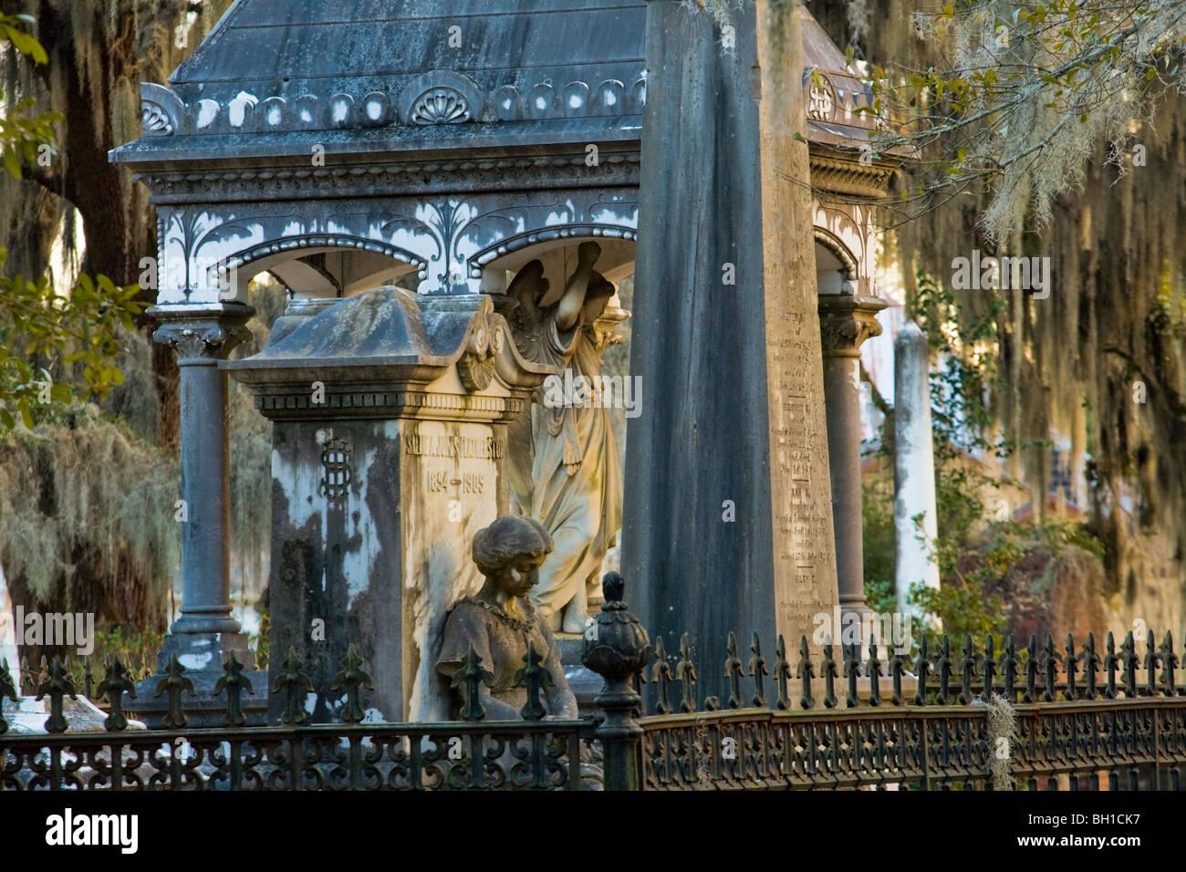 Old Live Oak Cemetery, Selma, Alabama - Stock Image