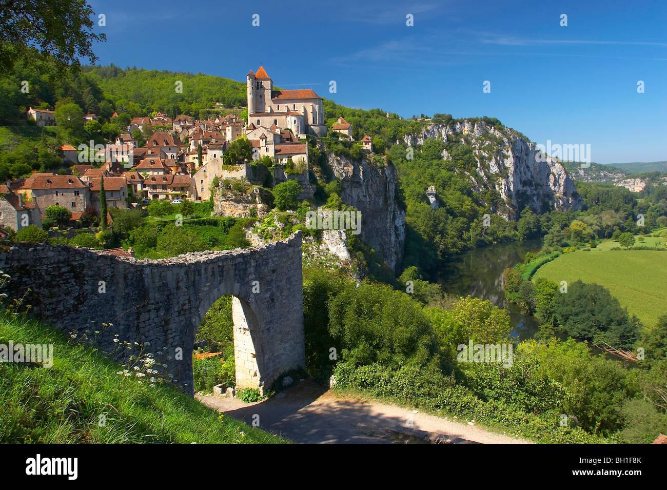 Vallée du Lot, St.Cirq-Lapopie, The Way of St. James, Roads to Santiago, Chemins de Saint-Jacques, Via Podiensis, - Stock Image