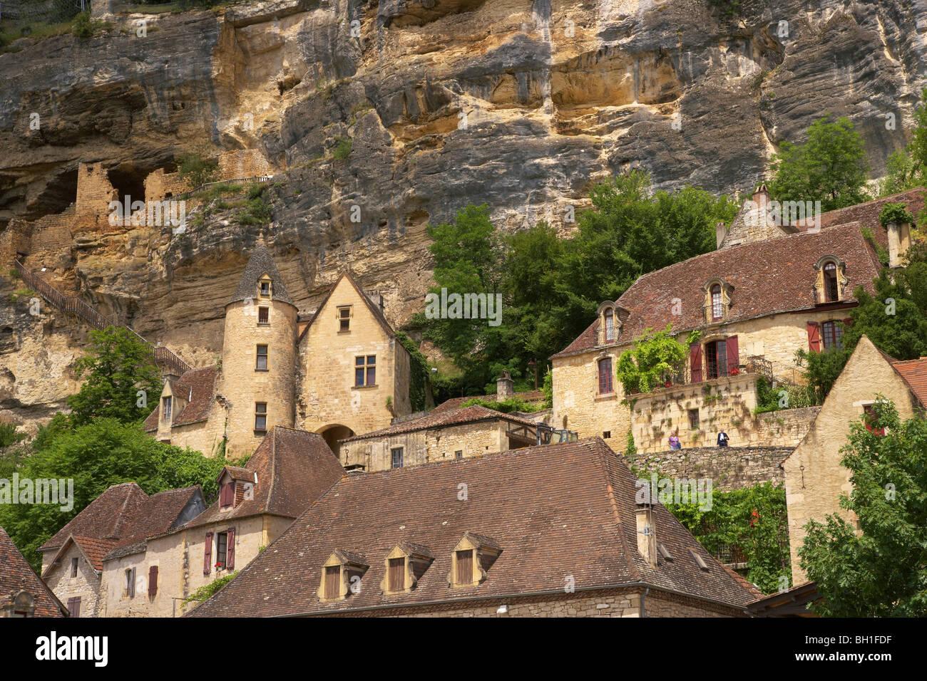 La Roque-Gagéac along the Dordogne river, The Way of St. James, Roads to Santiago, Chemins de Saint-Jacques, - Stock Image