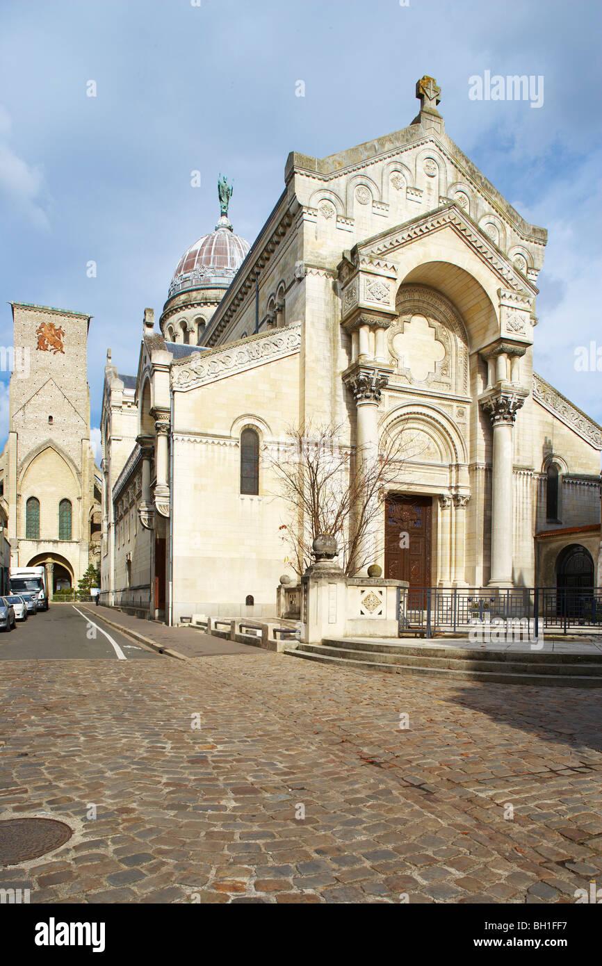 Basilique Saint Martin, St Martin´s Basilica and Tour Charlemagne, Charlemagne´s Tower, Chemins de Saint - Stock Image