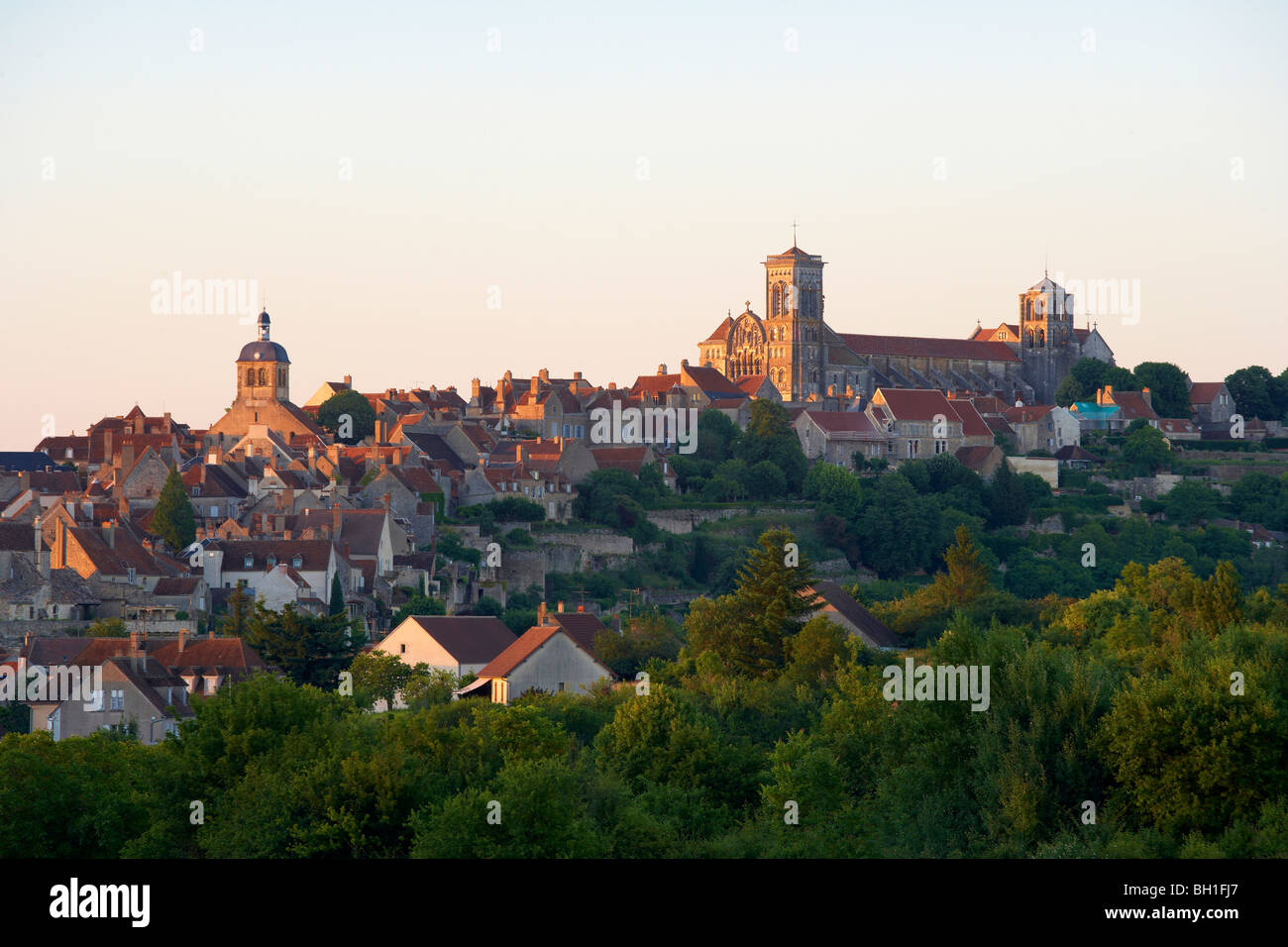 Vezelay with St Mary Magdalene Basilica in the evening, The Way of St. James, Chemins de Saint Jacques, Via Lemovicensis, - Stock Image