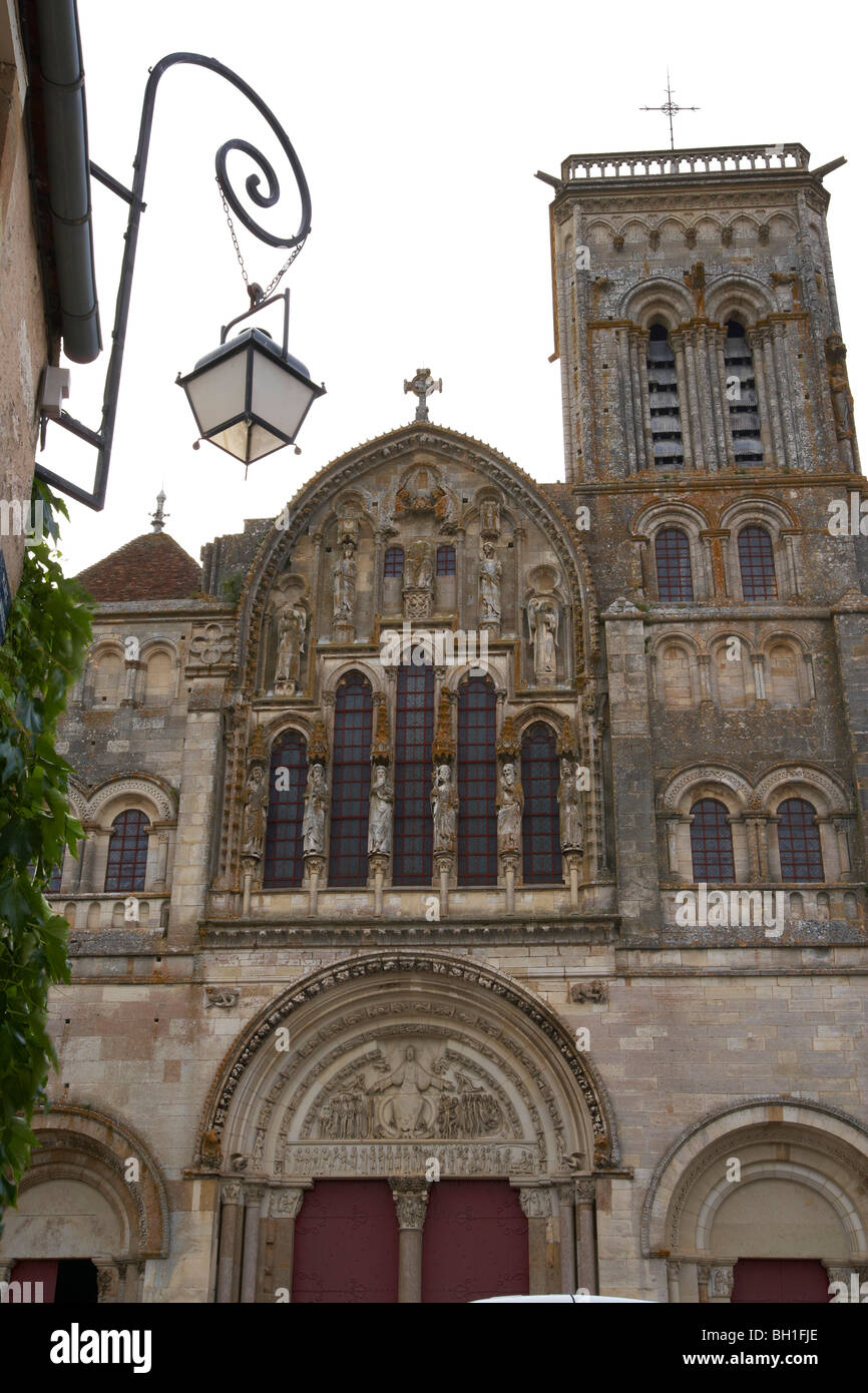 Vezelay abbey, St Mary Magdalene Basilica, West side, The Way of St. James, Chemins de Saint Jacques, Roads to Santiago, - Stock Image