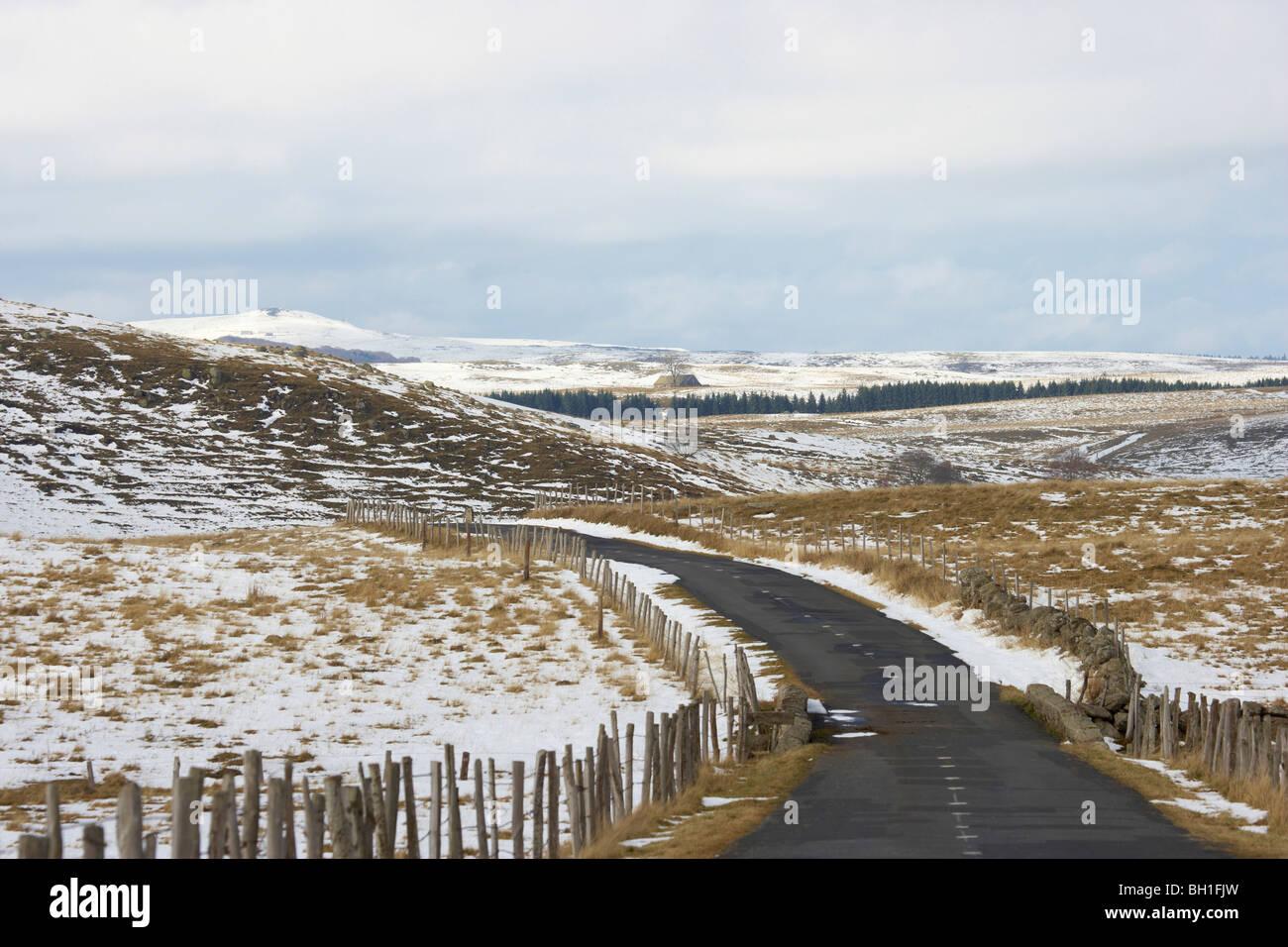 Snow in the Aubrac, The Way of St. James, Chemins de Saint Jacques, Via Podiensis, Dept. Aveyron, Région Midi - Stock Image