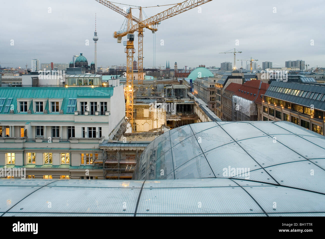 the roof of the Zentrale Giro, und Sparkassenverband, Berlin, Savings and Loan Association head office, Berlin - Stock Image