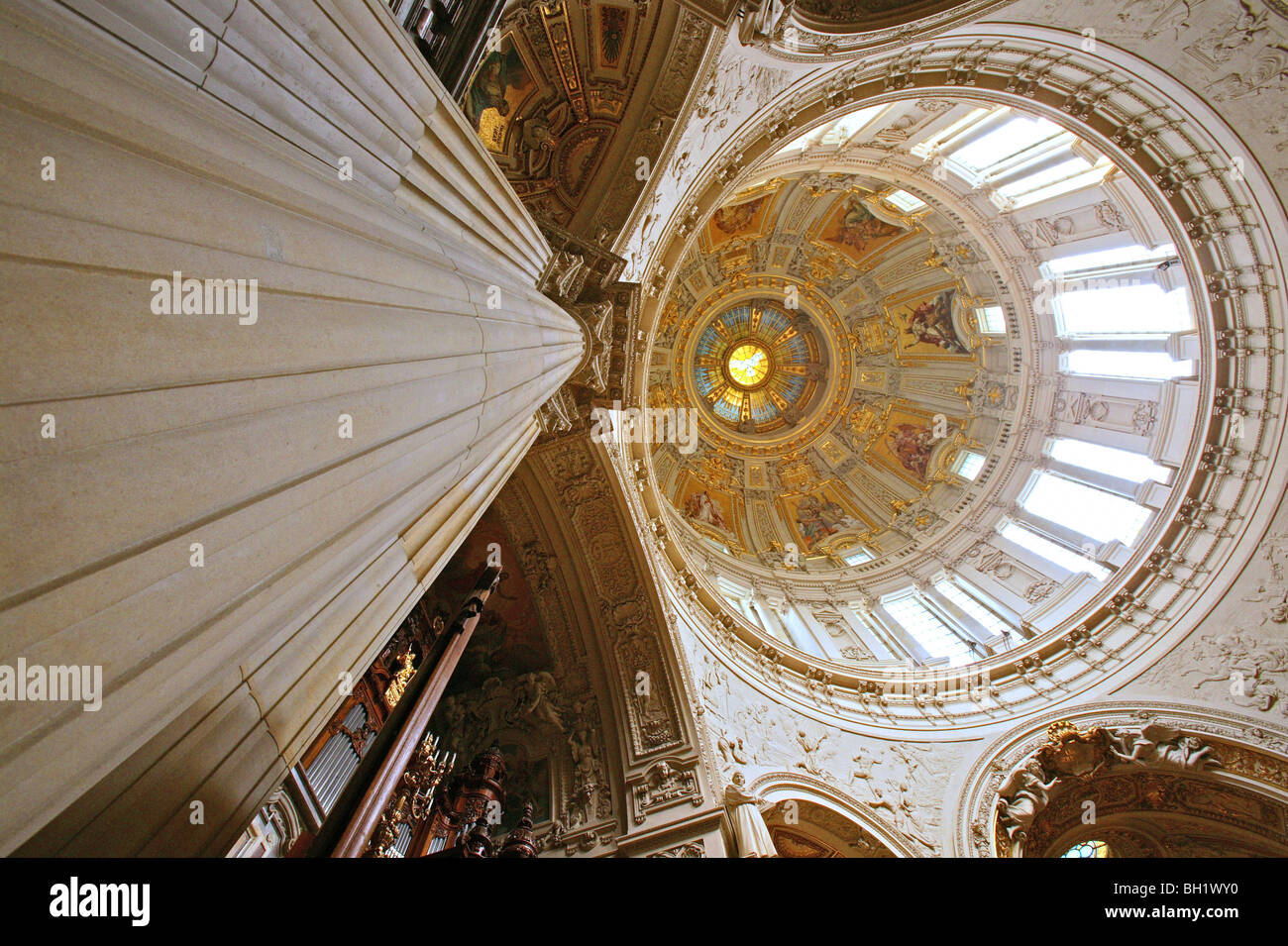 Berliner Dom, Neo-Baroque pulpit and a large Sauer organ, Berlin - Stock Image