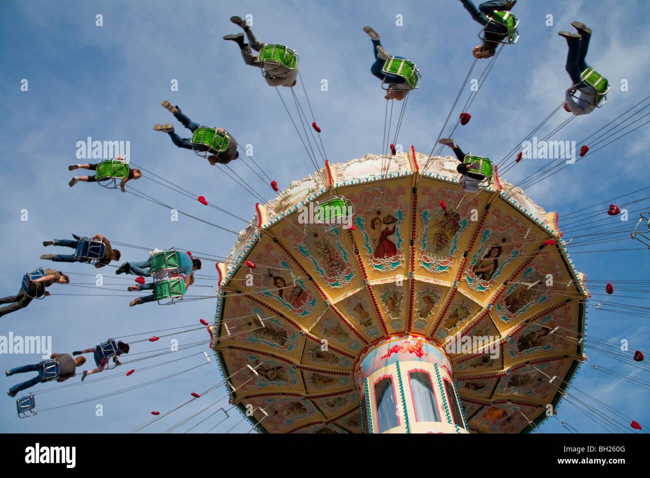 CAROUSEL AT THE FESTIVAL CANNSTATTER VOLKSFEST, WASEN, STUTTGART, BADEN WUERTTEMBERG, GERMANY - Stock Image
