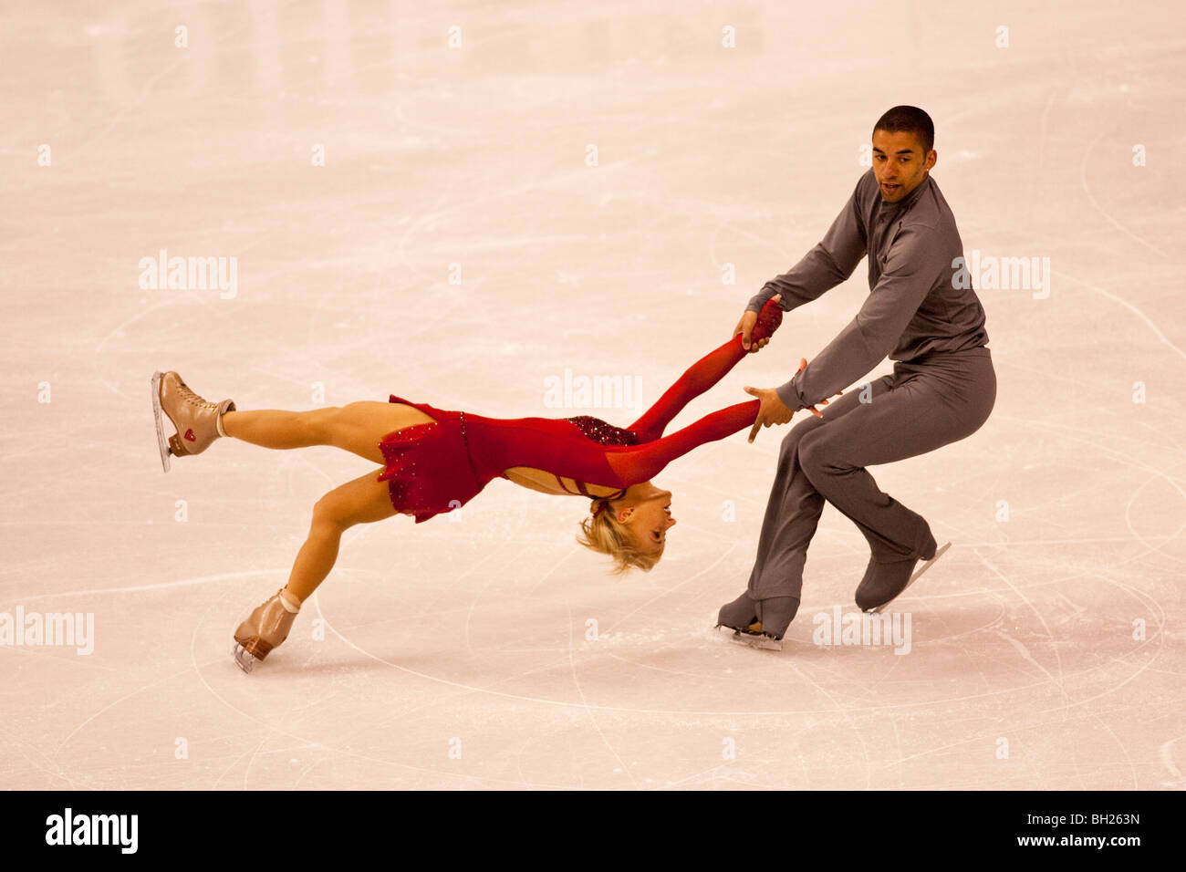 Aliona Savchenko/Robin Szolkowy, gold medalist competing in the Pairs Free at the 2009 World Figure Skating Championships - Stock Image