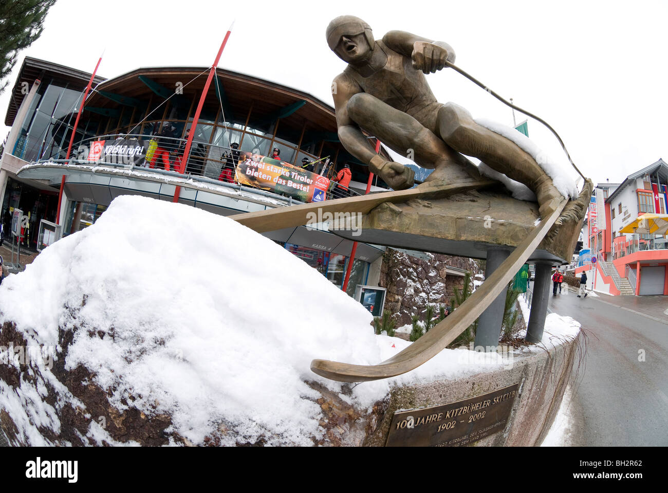 downhill skier sculpture outside hahnenkamm lift, kitzbuhel, austria - Stock Image