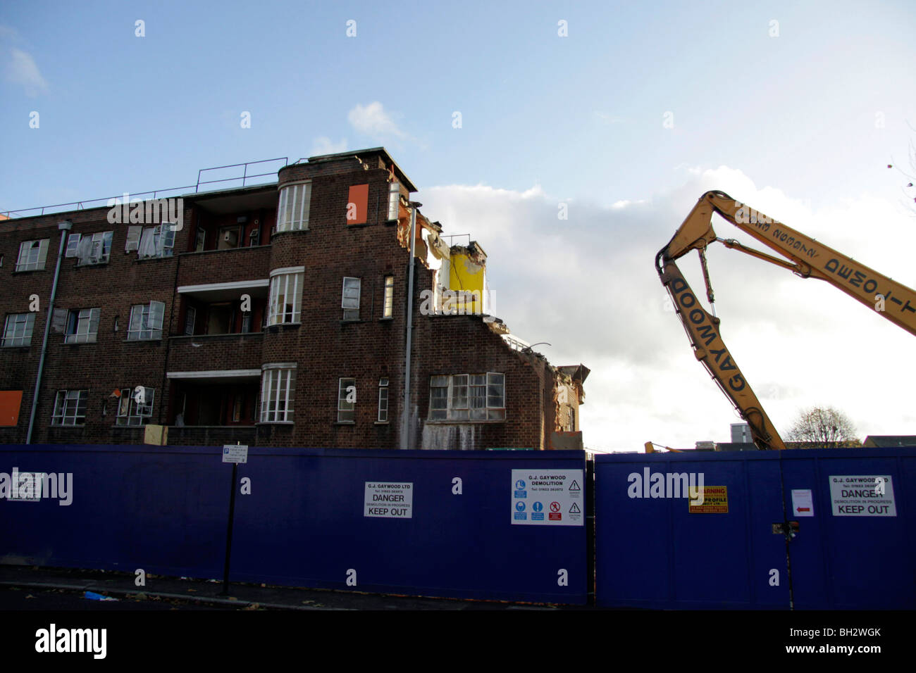 Demolition of a council estate in Hackney, East London Stock Photo