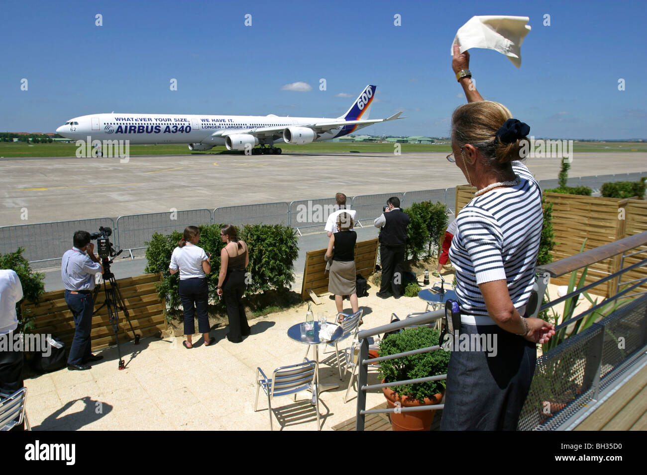 A 340 AT THE 46TH INTERNATIONAL AERONAUTICS FAIR IN BOURGET (JUNE 2005). A340 BEFORE TAKE-OFF, LE BOURGET (93) - Stock Image