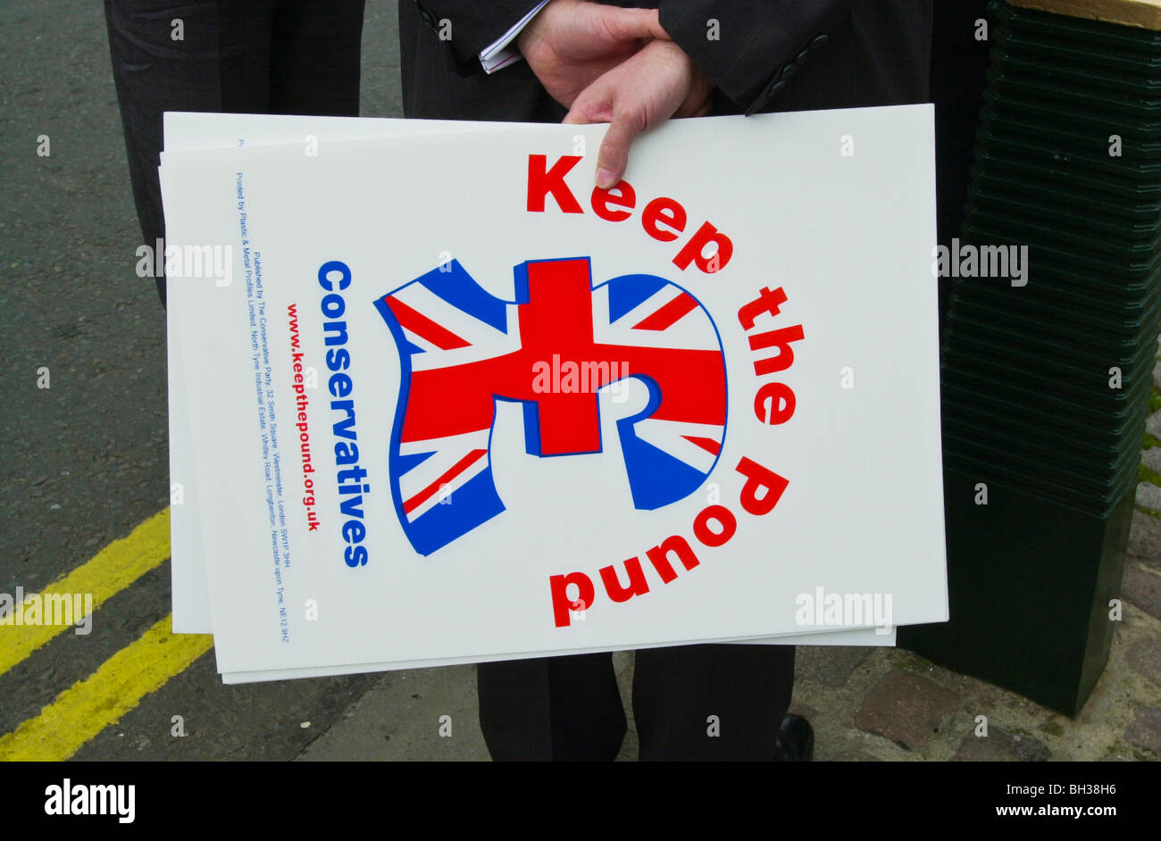 KEEP THE POUND Conservative Party poster during the 2001 General Election - Stock Image