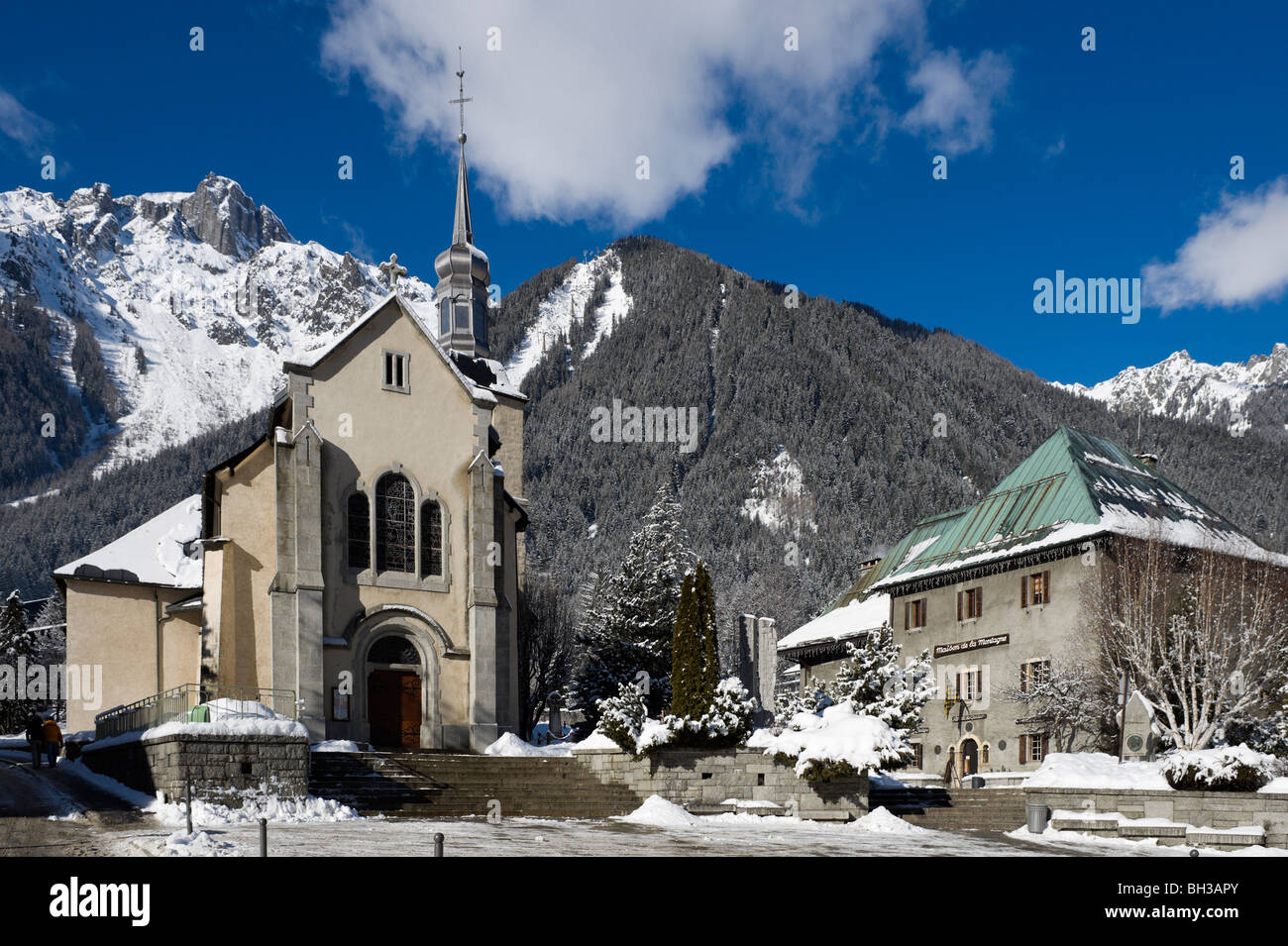 Church & Maison de la Montagne near the town centre with Le Brevent ski area behind, Chamonix Mont Blanc, Haute - Stock Image