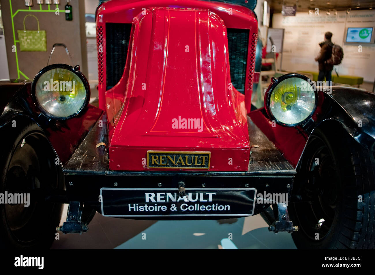 Car Renault Old Car Red Stock Photos & Car Renault Old Car Red Stock ...