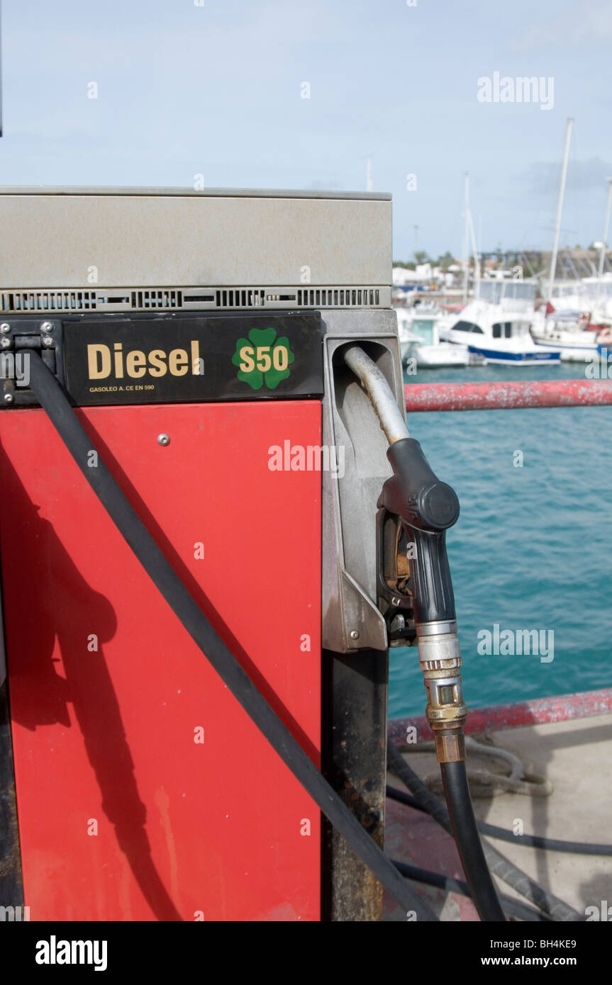 marine diesel fuel boat ships yacht boats ship yachts engine boating pollution diesels pump harbor filling station - Stock Image