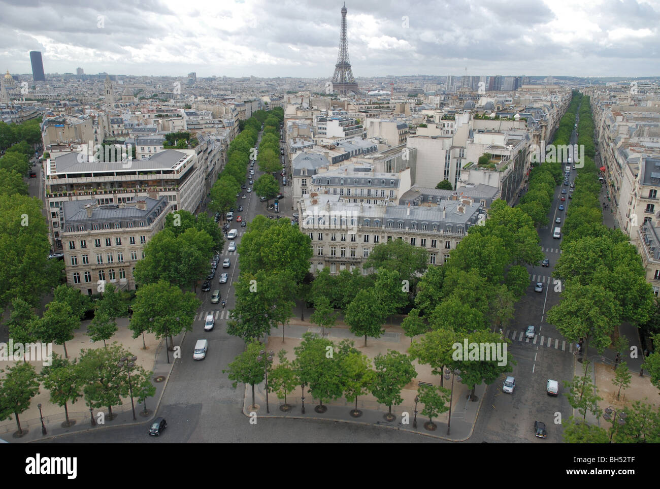 Paris: looking towards the Eiffel Tower from the top of the Arc de Triomphe - Stock Image