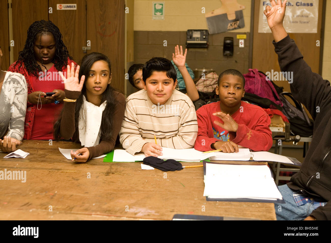 Middle school technology class discusses the use of PowerPoint at the J.R. Dodd School in Freeport, NY. - Stock Image