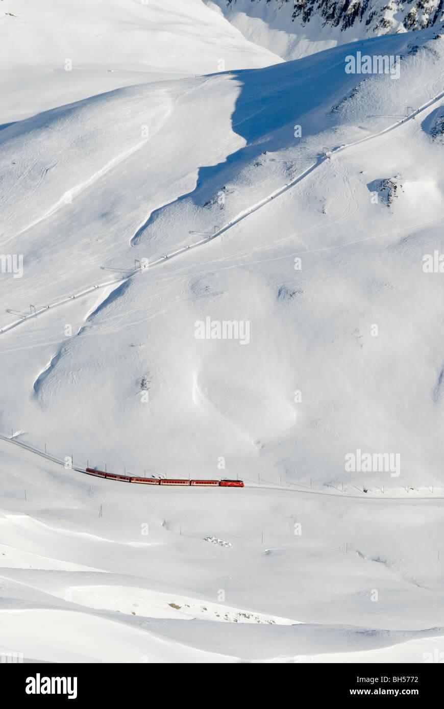 Matterhorn-Gotthard-Bahn train at Oberalppass, Uri, Switzerland - Stock Image