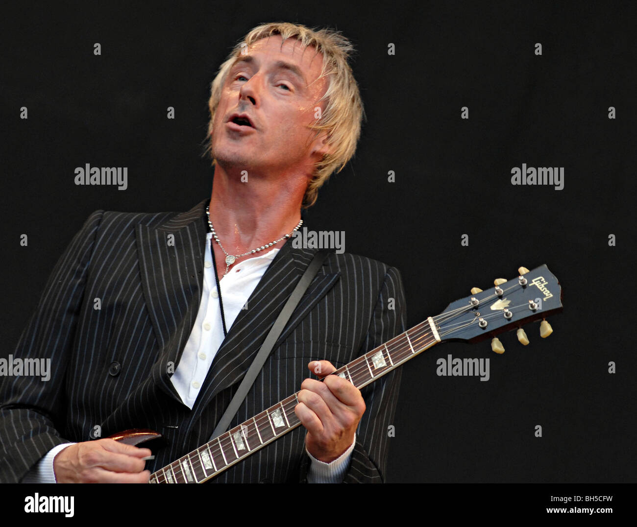 UK. Paul Weller playing in London - Stock Image