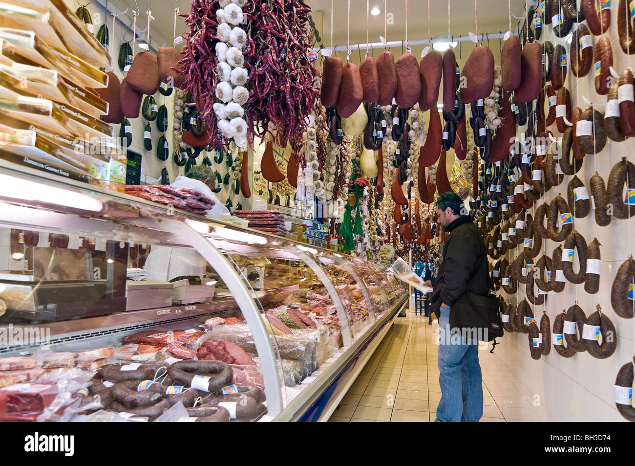 A delicatessen shop in Evripidhou street in the bazaar district in the centre of Athens between Omonia Square and - Stock Image