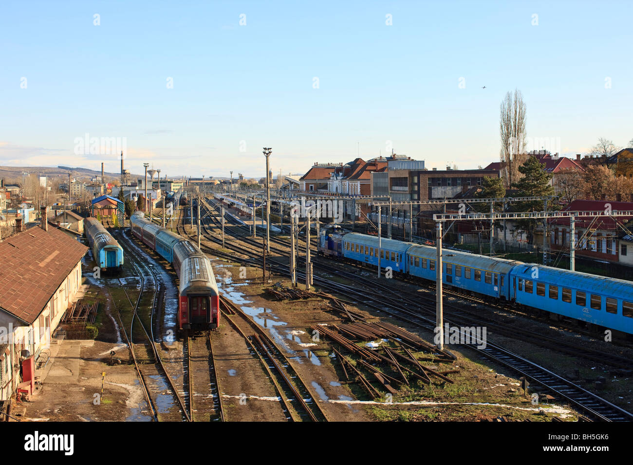 Trains in the main station of Cluj-Napoca Romania - Stock Image
