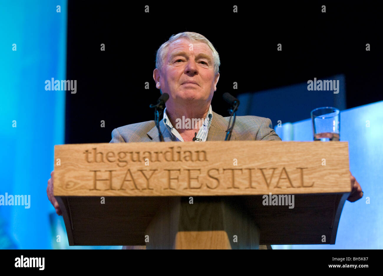 British politician and international diplomat Paddy Ashdown giving the Joseph Rotblat Lecture at Hay Festival 2009. - Stock Image