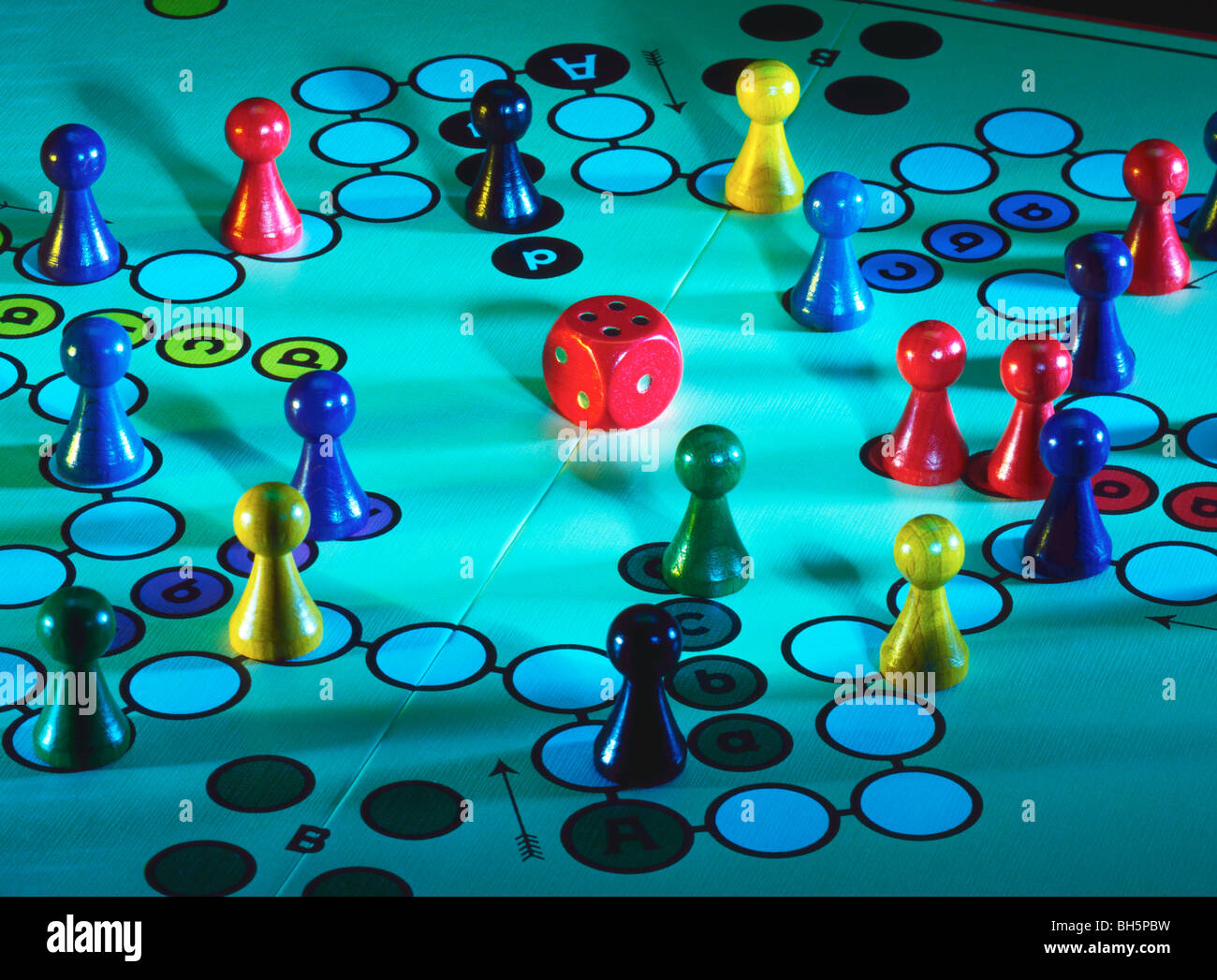Mensch aergere dich nicht. The game Frustration. The name in French is T'en fais pas - Stock Image