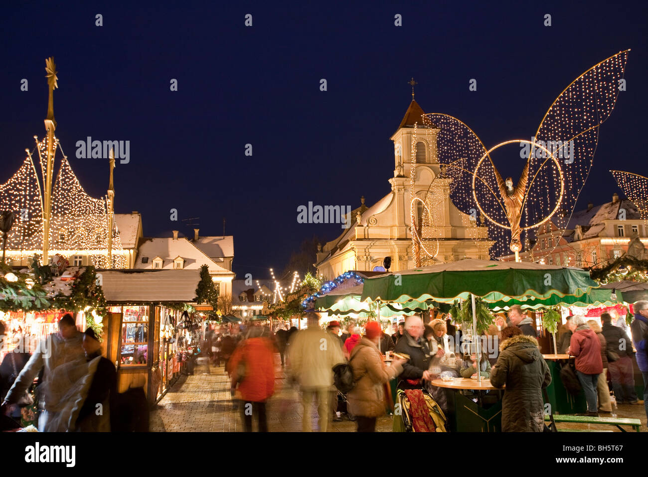 BAROQUE CHRISTMAS MARKET, EVANGELISCHE PFARRKIRCHE CHURCH Stock ...