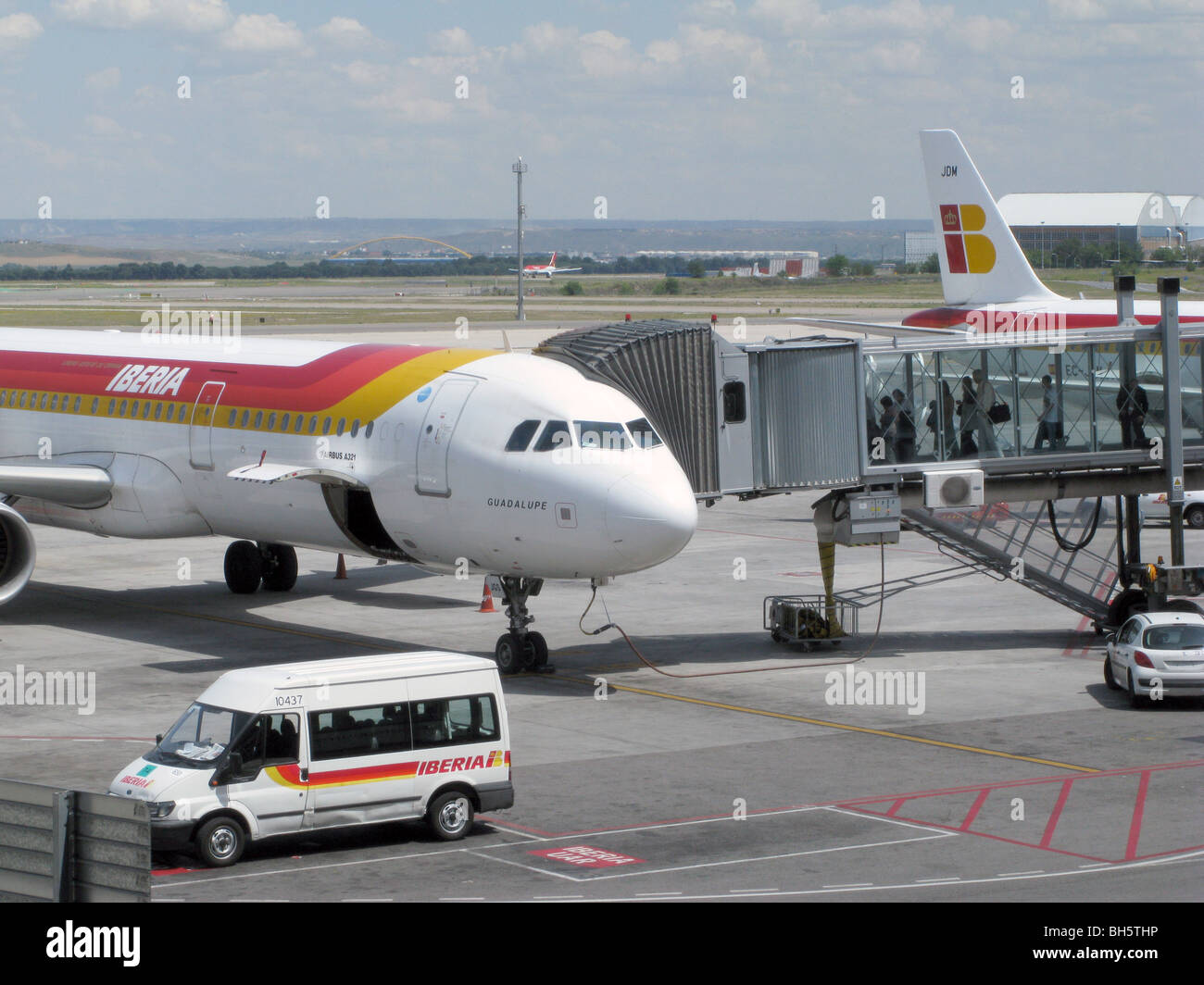 SPAIN. IBERIA  AEROPLANE READY TO DEPART AT NEW TERMINAL AT MADRID AIRPORT - Stock Image