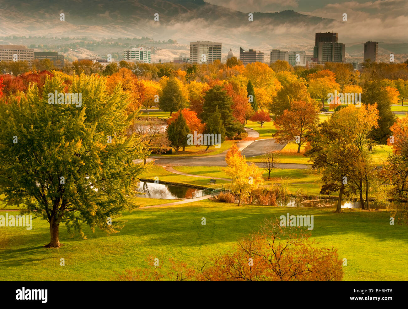 Idaho, Boise. Autumn scenic of Ann Morrison Park and downtown. - Stock Image