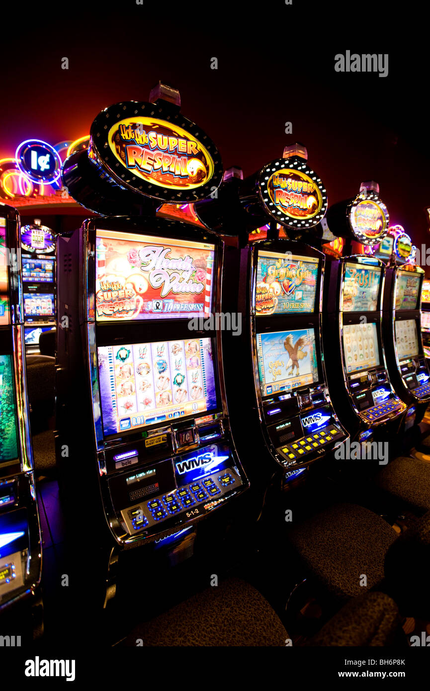Slot machines at the Squamish Nation casino.  Chances Casino. - Stock Image