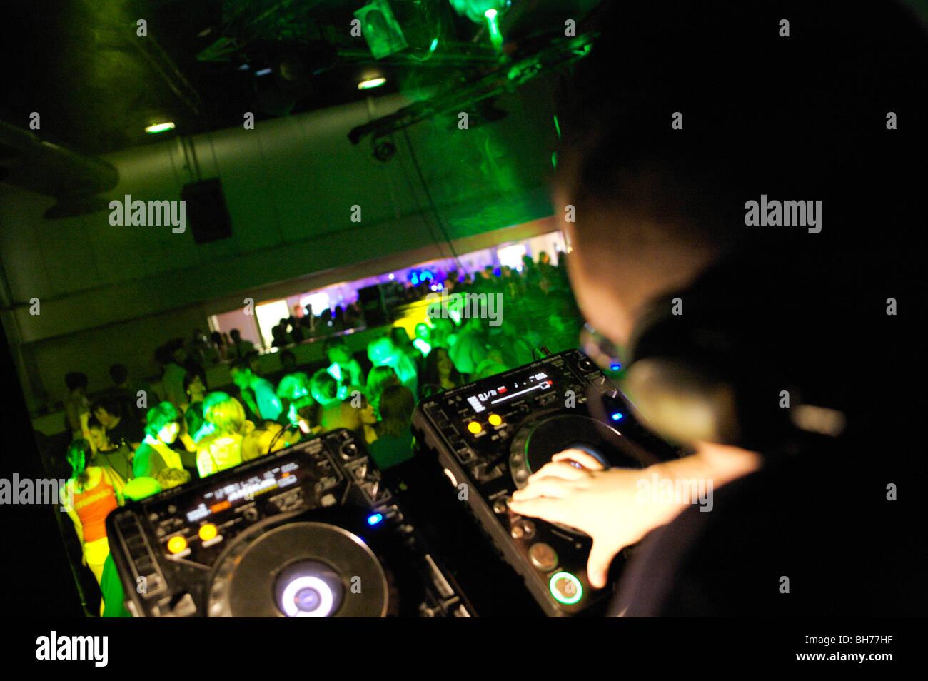 lighting desk, club, dj, CD, MUSIC, bright, colour, party