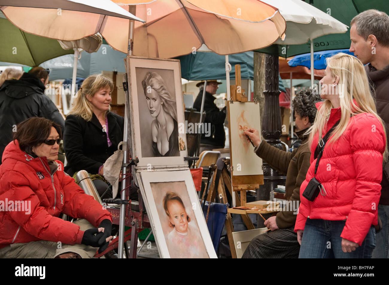 Artists in Place du Tertre Paris France - Stock Image