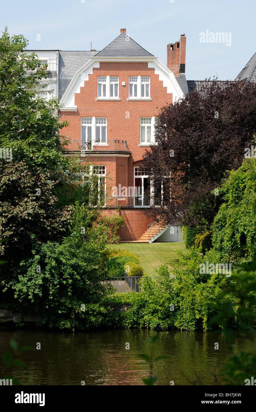 Außenansicht eines herrschaftlichen Anwesens in Hamburg, Deutschland. - Exterior view of a stately home in - Stock Image