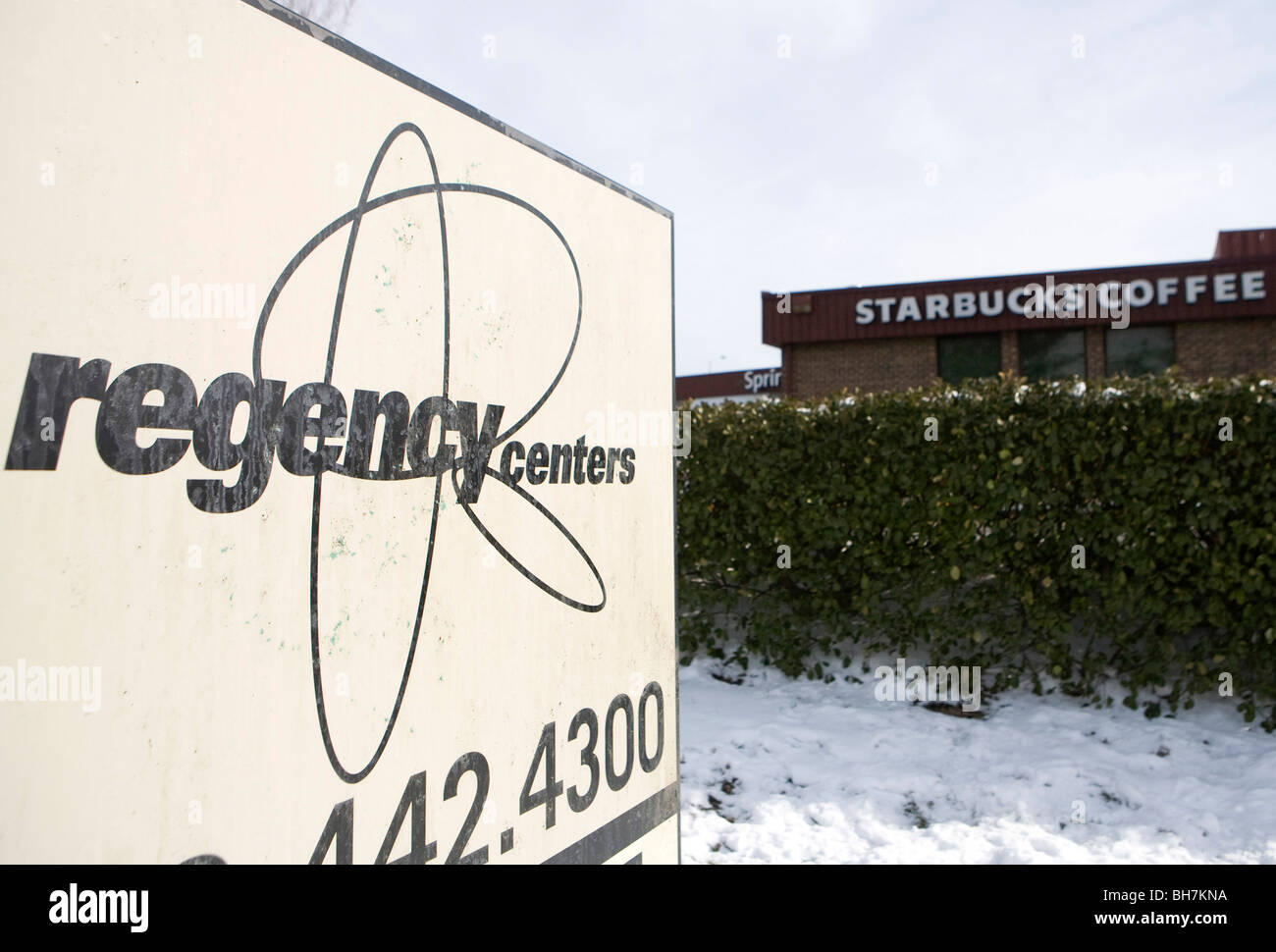A Regency Centers shopping center in suburban Maryland.  - Stock Image