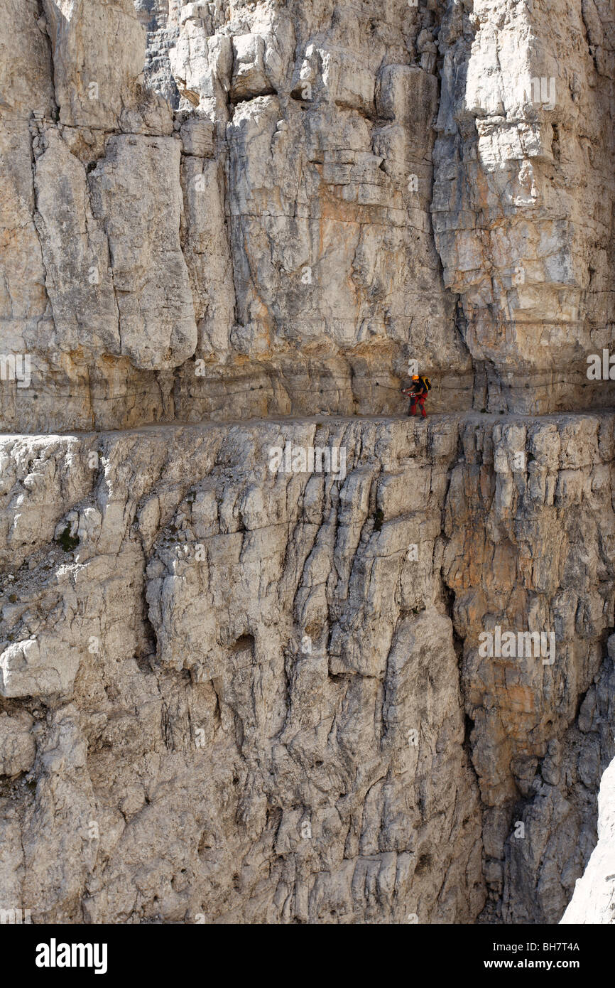brenta via ferrata dolomite dolomiti mountaineering italy alps italian risk climbing mountaineering Bocchette Central - Stock Image