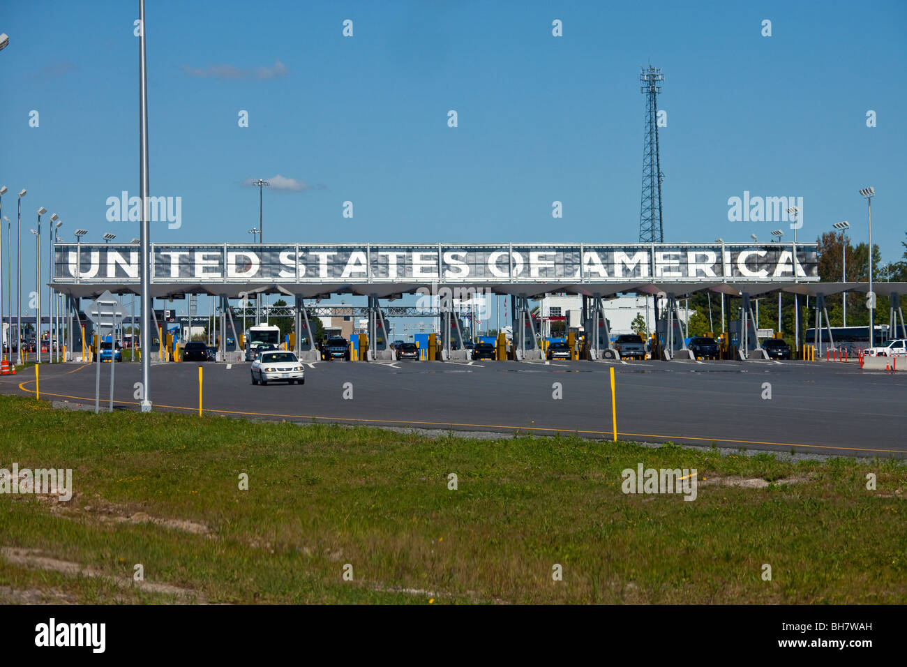 Champlain Border Crossing between United States and Canada - Stock Image