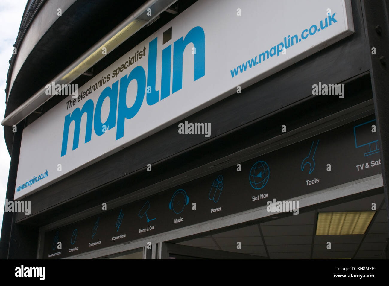 Maplin High Street shop sign - Stock Image