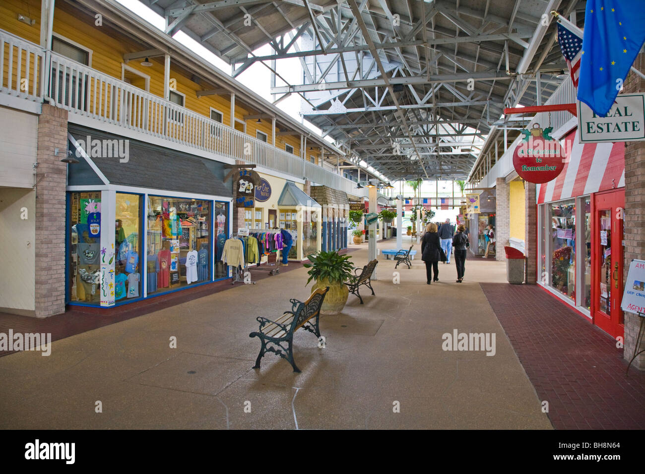 Inside of Fishermens Village shopping and dining complex in Punta Gorda Florida - Stock Image