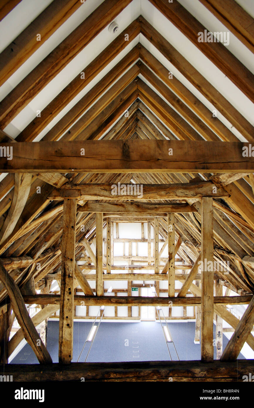 old barn renovation with traditional oak beams and modern elementsold barn renovation with traditional oak beams and modern elements