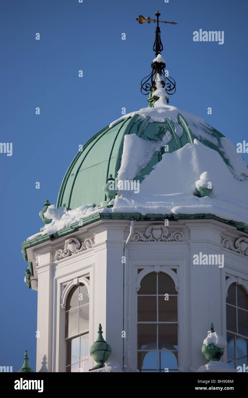 The Sheldonian Theatre caped with snow Stock Photo