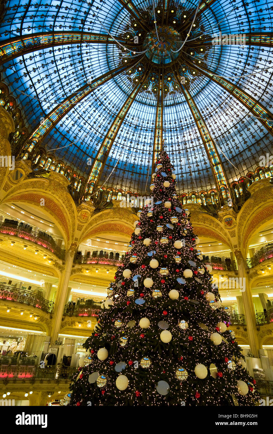 Christmas Paris France.Galeries La Fayette Department Store At Christmas Paris