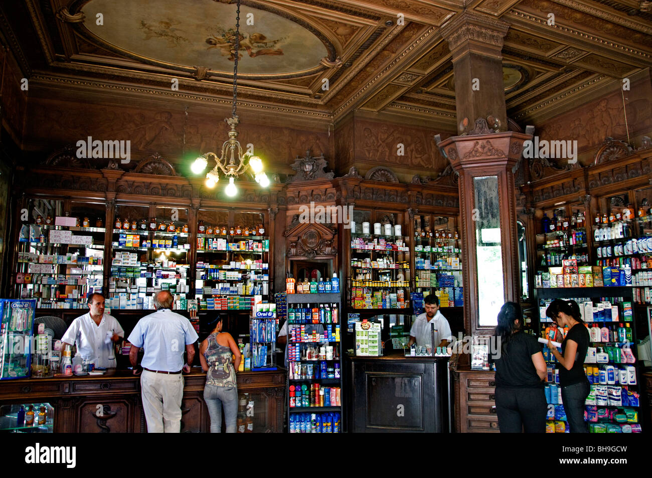 Buenos Aires pharmacist chemist druggist pharmacy Argentina Town City - Stock Image