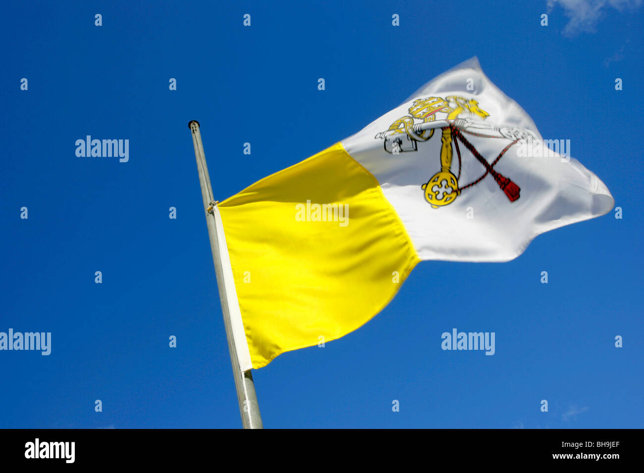 flag, Vatican,half mast,half hoist,hoist,death of Pope,respect,mark of respect,mourning, - Stock Image