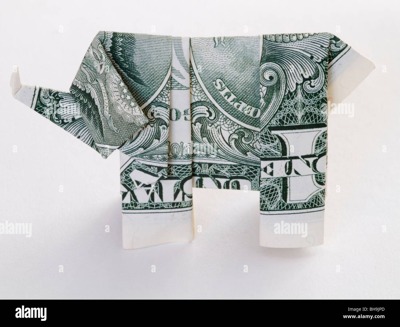 How To Make A Dollar Bill origami elephant | Origami elefant, Dollarschein  origami, Geld falten | 1065x1300