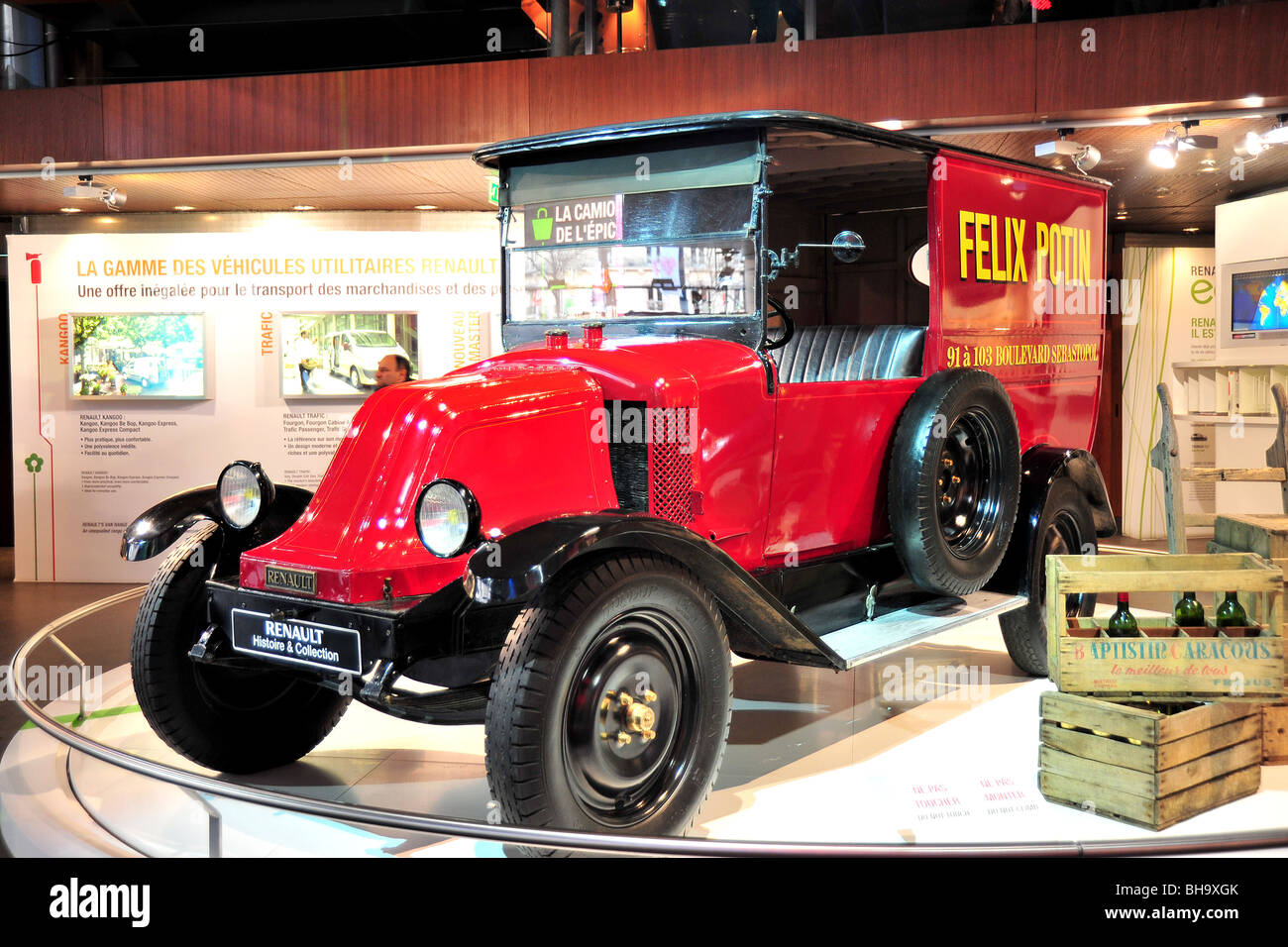 Paris Old Delivery Truck on display in Renault Car Showroom Stock ...